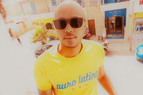 Puro Latino tee shirt jaune